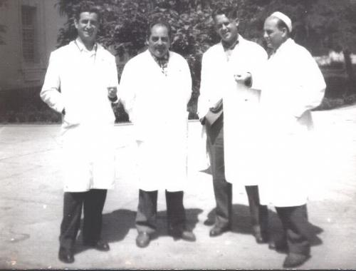 4 hirurga